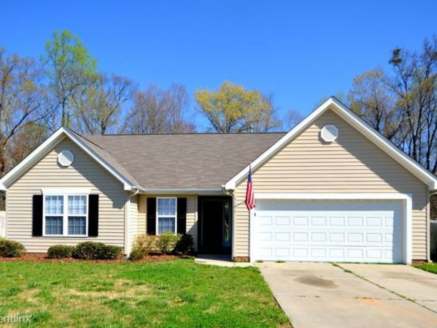 3 Bed 2 Bath House For Rent For Single Family Charlotte