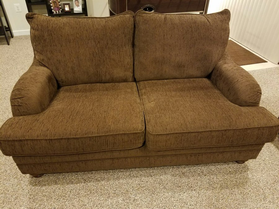 Couch and Love Seat Combo Virginia 22554 Stafford 500  : couch and love seat combo2 from classifieds.craigclassifiedads.com size 900 x 675 jpeg 164kB