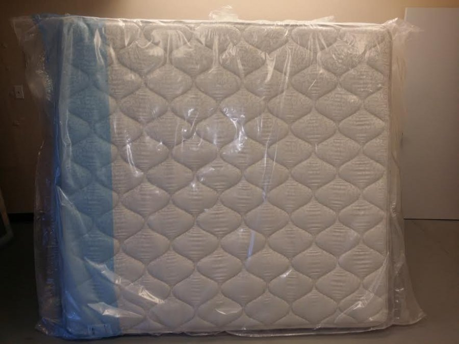 Queen pillow top mattress set still in original plastic will sacrifice grand prairie Mattress set sale queen